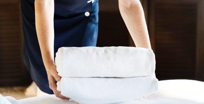 Comment établir un contrat pour femme de ménage à domicile ?