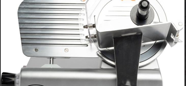 Comment aménager une trancheuse à jambon dans sa cuisine professionnelle ?